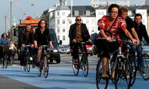 Cyclists-in-Copenhagen-001