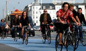 Cyclists-in-Copenhagen-001