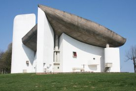 modern-architecture-Ronchamp-Chapel